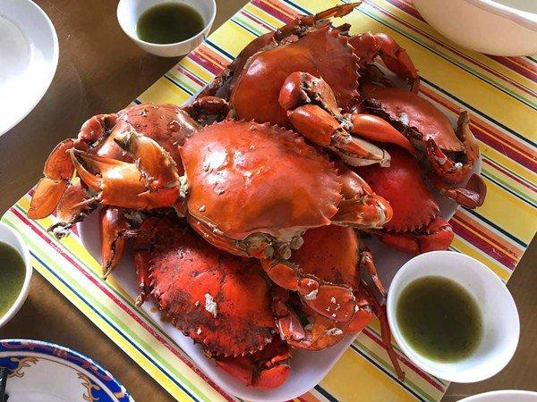 Một số lưu ý khi ăn cua biển luộc